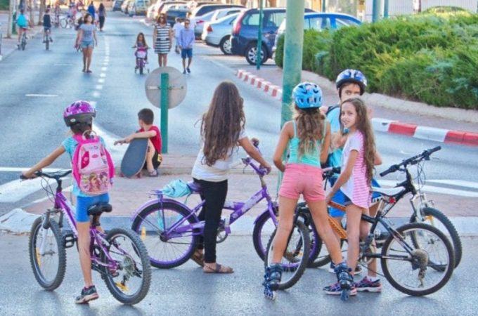 Chọn xe đạp cho bé gái 6 tuổi