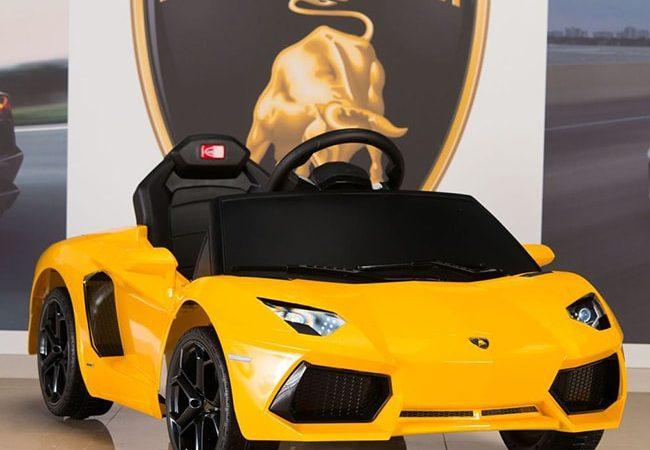 Top 4 mẫu xe oto điện trẻ em Lamborghini mẹ nên mua
