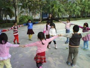Các trò chơi trung thu cho thiếu nhi tạo nên tiếng cười cho bé
