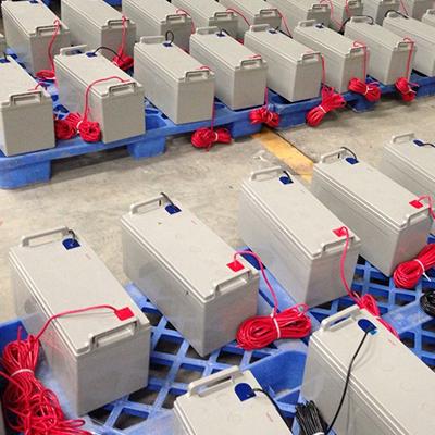 Bình ắc quy trong hệ thống pin năng lượng từ mặt trời