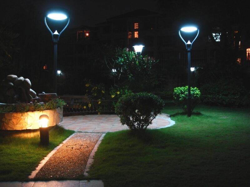 các loại đèn trang trí sân vườn