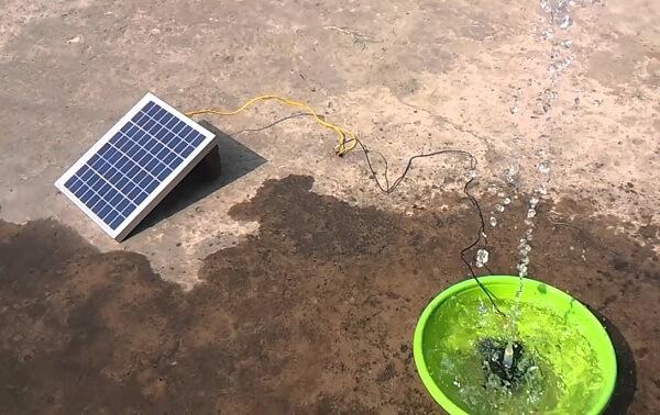 máy bơm phu tiểu cảnh năng lượng mặt trời
